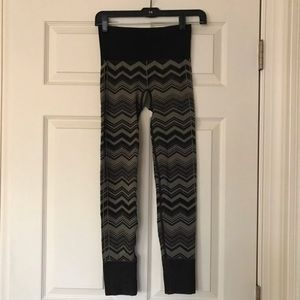 Lululemon Ebb yoga pants